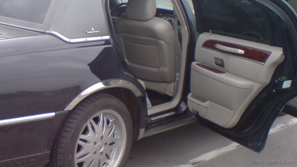1998 Lincoln Town Car Sedan Specifications Pictures Prices