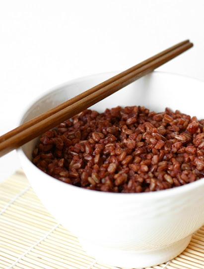 Cơm nấu từ gạo lứt đỏ Như Châu, ngọt , thơm, mềm, dẻo