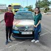 Cristian y Fenna antes del examen - Autoescuelas Vial Masters.jpeg