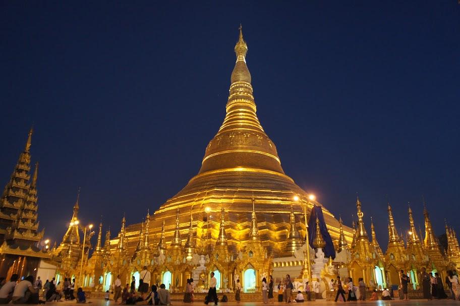 Den thanh pho Yangon tuyet dep du lich dip Tet