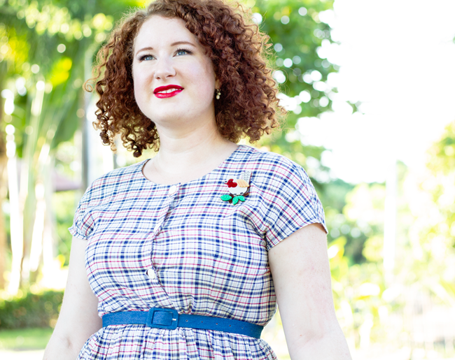 Causal vintage style with a sundress and a brooch | Lavender & Twill