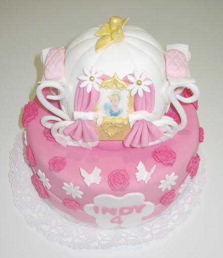 881- Assepoester koets taart.JPG