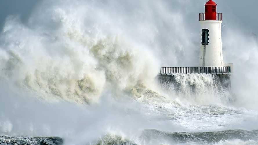 الرصد الجوي يحذر من تيارات هوائية قوية تصل خليج تونس