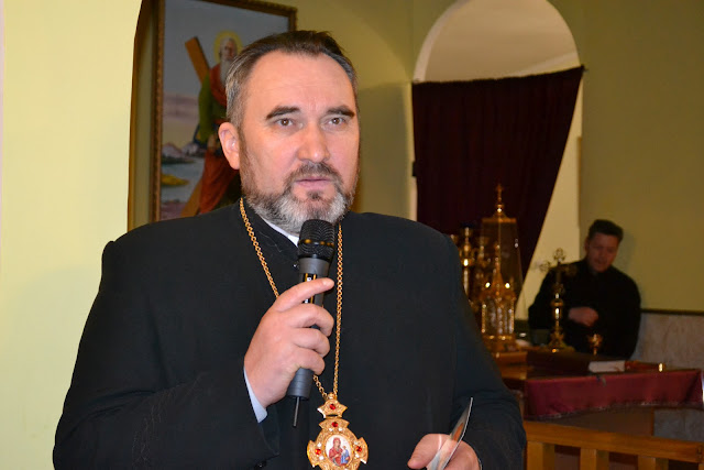 Одесско-Крымский экзарх кир Василий (Ивасюк) благодарит гостя за выступление
