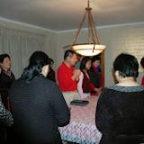 Cell Group members praying. 2006-10-27 小組聚會禱告