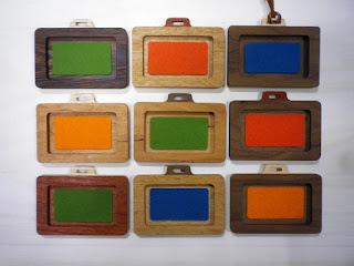 木のパスケース「バッグ型」ネームホルダー wood pass case 「bag」