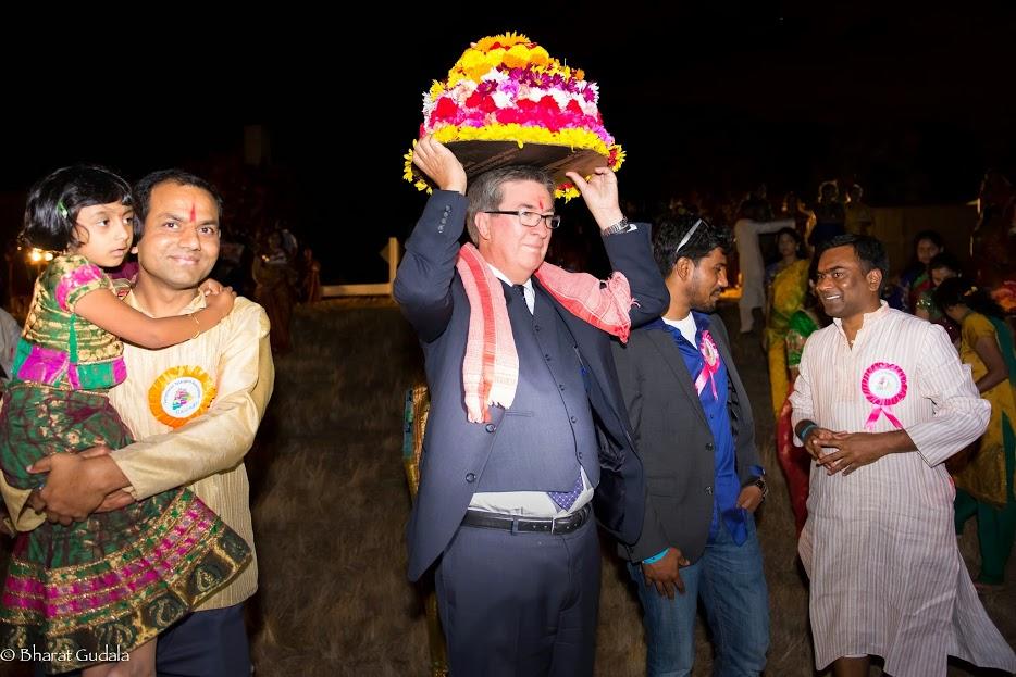 Bathukamma & Dasara Celebrations 2014 - Assembly%2Bmen%2BKencooley%2Bwith%2Bbathukamma.jpg