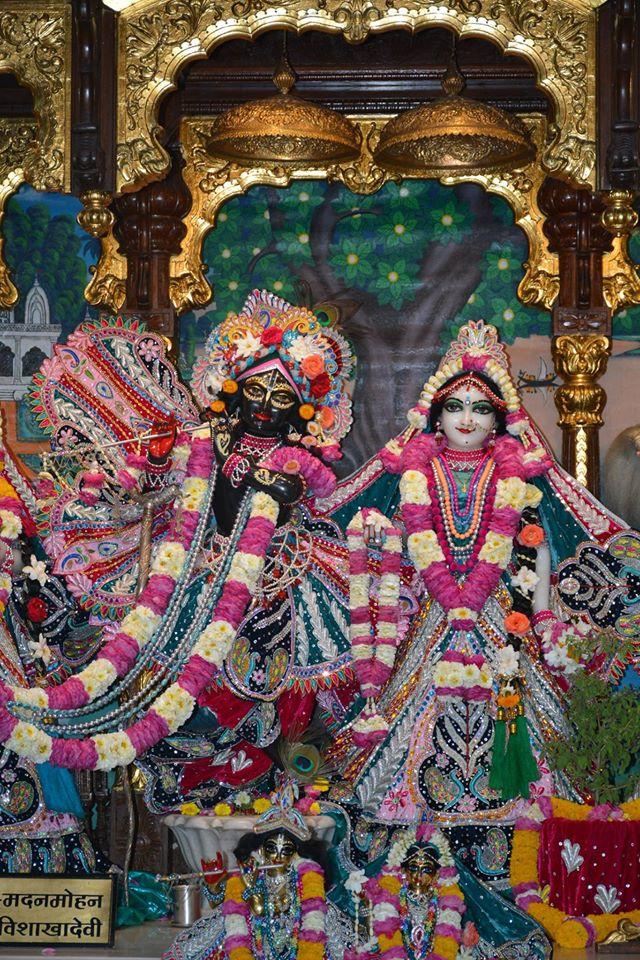 ISKCON Ujjain Deity Darshan 3 April 2016  (16)