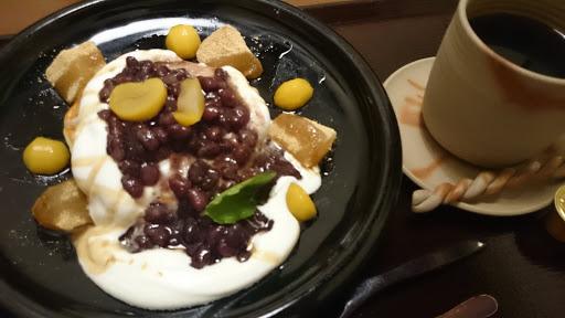 [写真]パンケーキ(あずきと栗とくず餅)