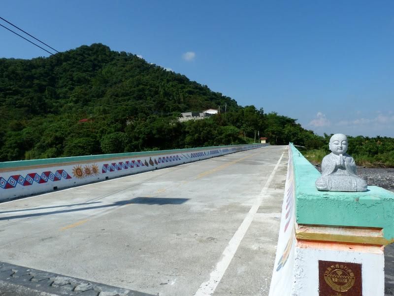 Pont pour aller à Sandimen, environs 10 bons kilomètres