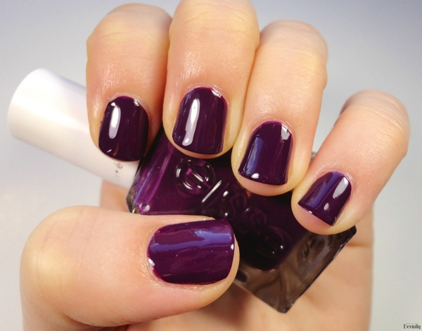 Essie Turn  n pose Gel Couture Review
