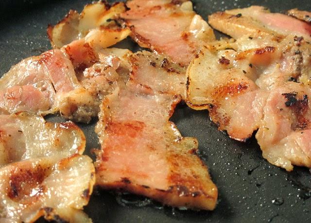 >厲害的肉?其實就是五花肉啦~噗~-南門蒸餃