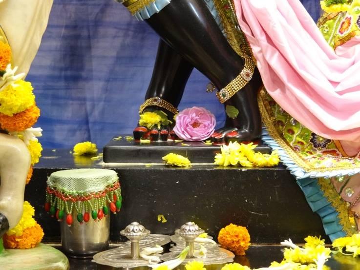ISKCON Nigdi Deity Darshan 17 Dec 2015 (20)