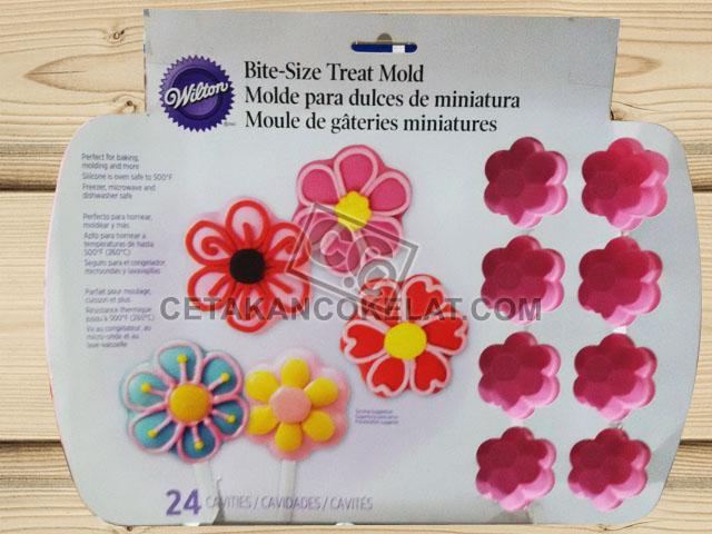 cetakan coklat cokelat silikon bunga kembang wilton 2105-0468