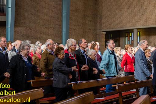 herdenkingsdienst  en een stille tocht naar het Engelse kerkhof 12-10-2014 (30).jpg