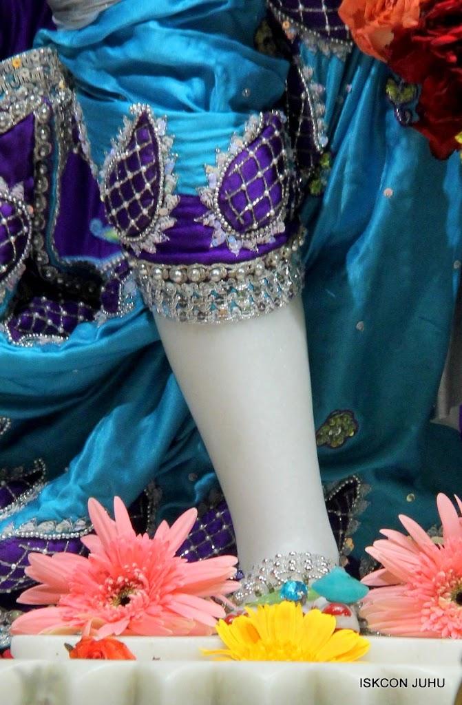 ISKCON Juhu Sringar Deity Darshan 17 Aug 2016 (39)