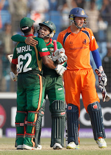 Mushfiqur Rahim and Imrul Kayes hug each other after sealing six-wicket win over Netherlands, Bangladesh v Netherlands, Group B, World Cup 2011, Chittagong, March 14, 2011