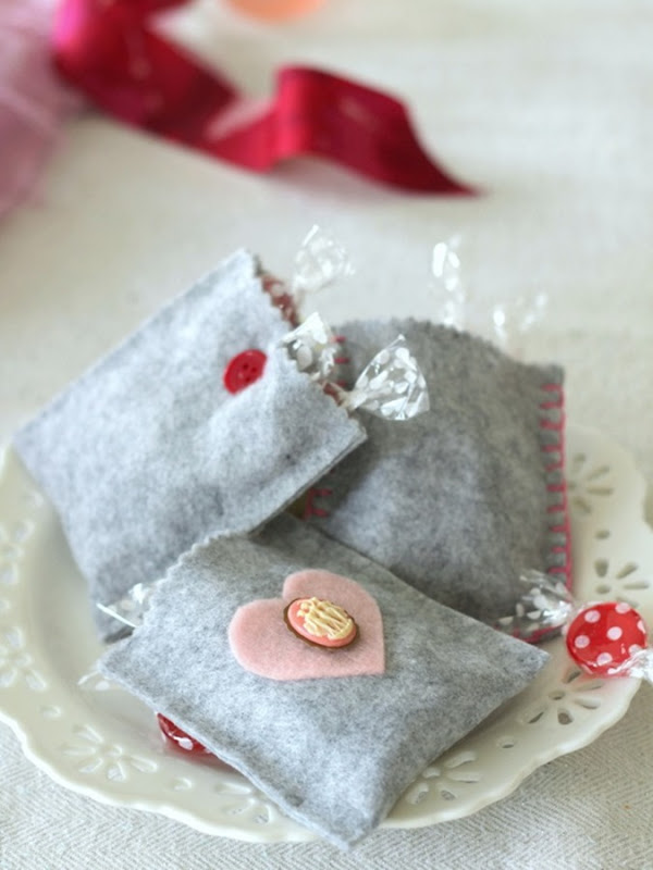 Grey Felt Valentine's Day Treat Bags by homework - carolynshomework (7)