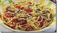 Spaghetti con vongole, cozze e cannolicchi