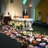 4.23.2011 Święcenie pokarmów w Wielką Sobotę w kościele MOQ, w Norcross. Typowe koszyki wielkanocne - IMG_7858.JPG