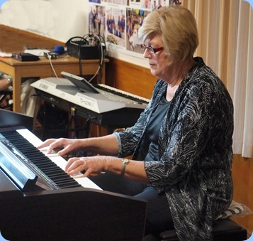 Kay Boyes played the Yamaha Clavinova CVP-509 for us. This was Kay's debut on Club Night and she played wonderfully well! Photo courtesy of Dennis Lyons.