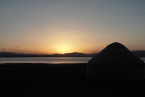 Abendstimmung im Yurt-Camp am Song Köl