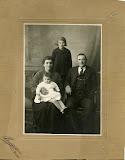 1928 - carlus famiglia - lena 1918 - verri domenica 1894.1960 - massa domenico 1892.1970 - clara 1926