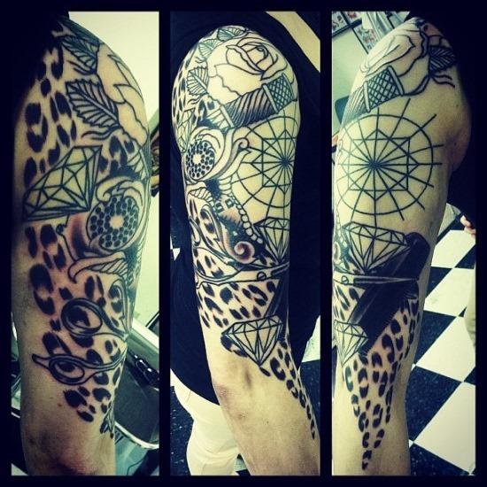 geomtricas_cheetah_print_braço_de_tatuagem_para_homens