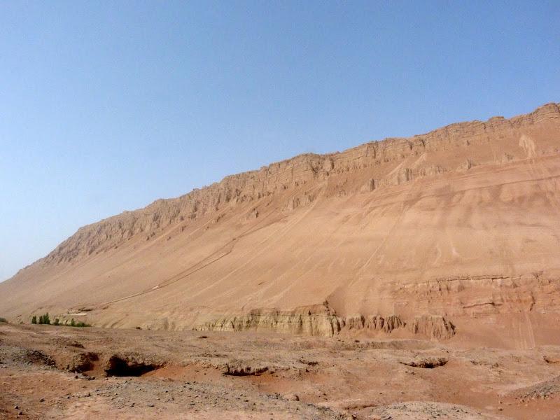 XINJIANG.  Turpan. Ancient city of Jiaohe, Flaming Mountains, Karez, Bezelik Thousand Budda caves - P1270910.JPG