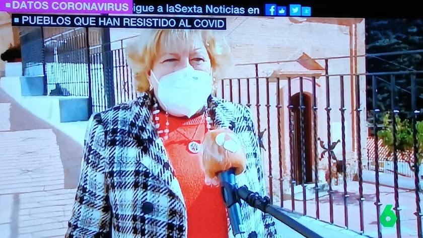 La alcaldesa de Laroya durante la entrevista. Fuente: La Sexta.