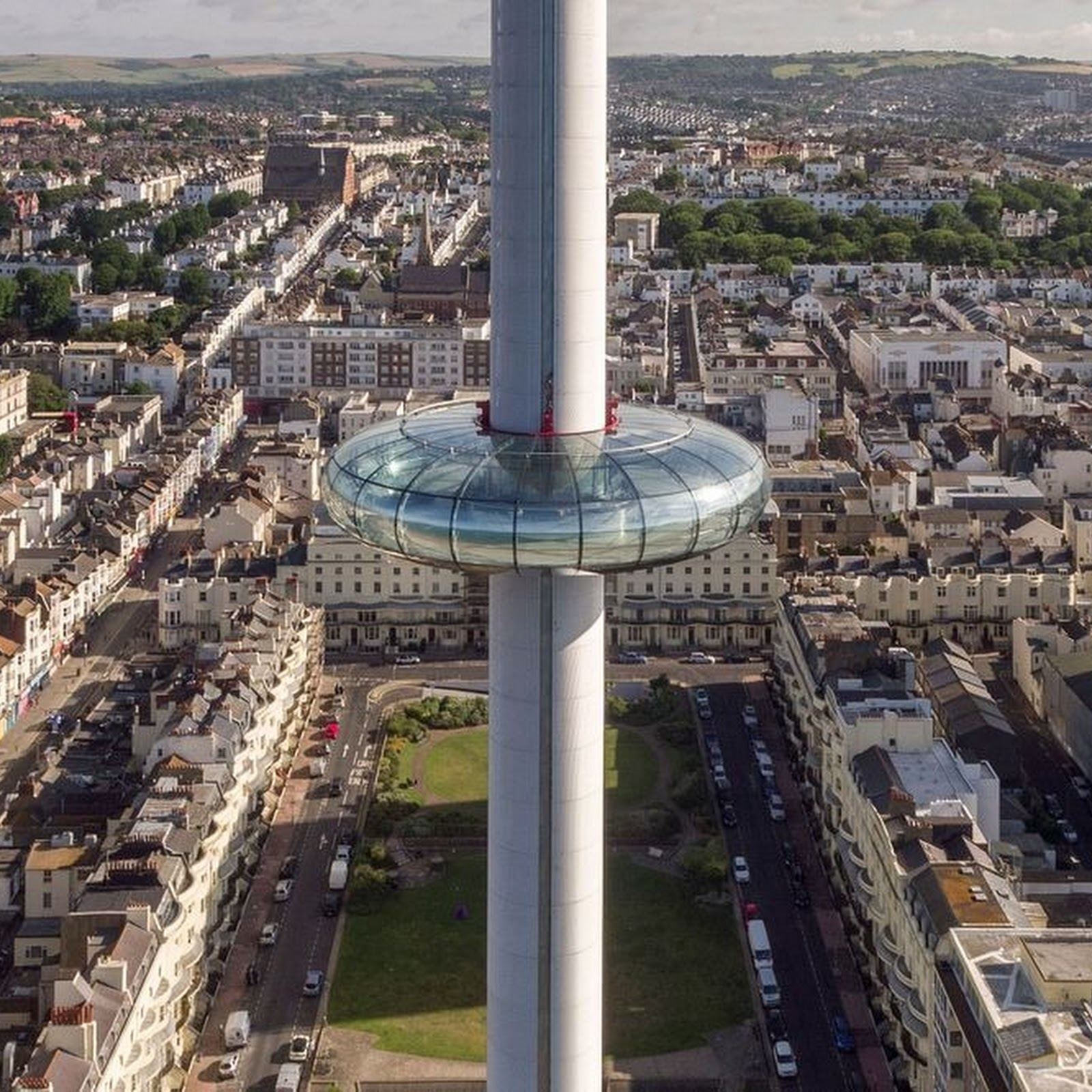 World's Thinnest Observation Tower i360 Opens in Brighton