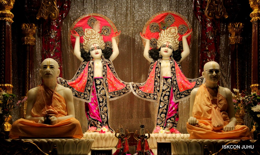 ISKCON Juhu Mangal Deity Darshan on 28th April 2016 (27)