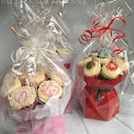 Christmas cupcake bouquet 5.jpg