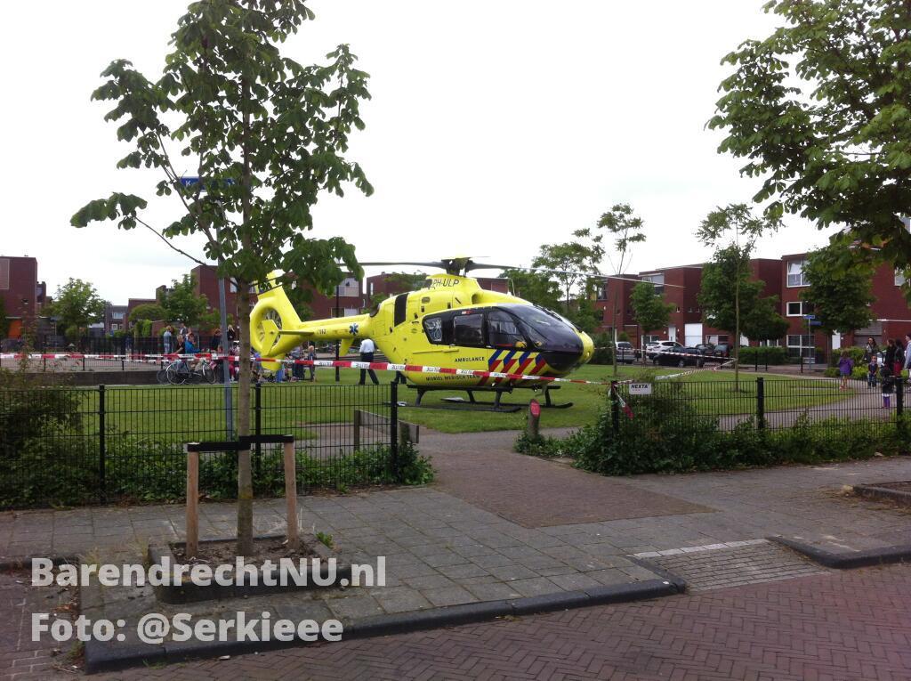 Traumaheli_Middeldijkerplein_28_06_2013.jpg