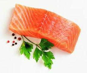 saumon-norvegien-dangereux-pour-les-bebes-jeunes-enfants-femmes-enceintes