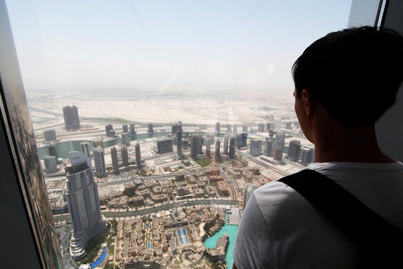 Mirando al desierto desde el Burj Khalifa