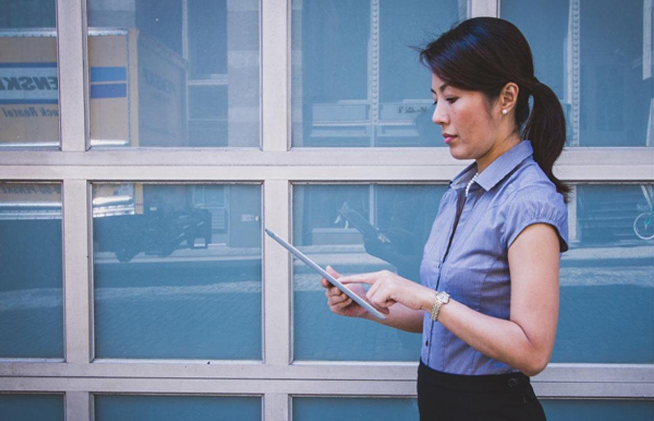 Review Aplikasi Rekrutmen Online Karyawan LinovHR
