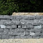 Mur en moellons equarris