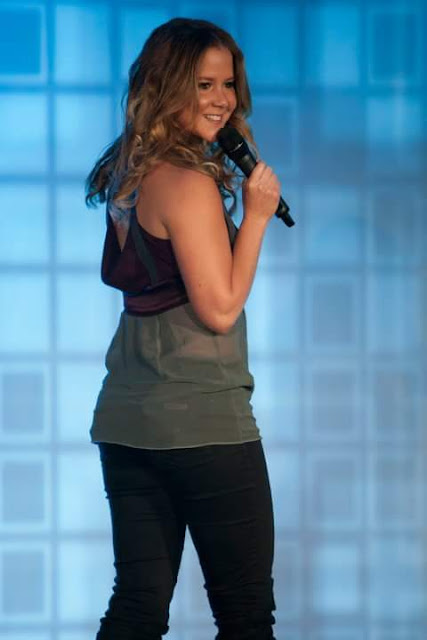 Amy Schumer comedian on stage picture