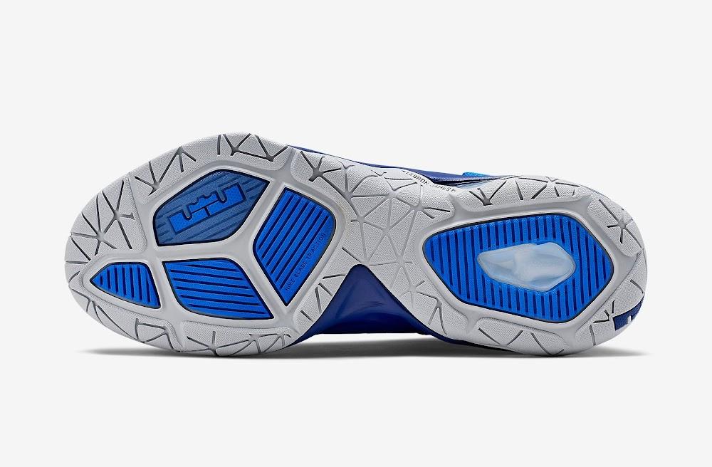 brand new 22741 0255b ... Nike Ambassador VII 7 Lyon Blue amp Metallic Silver ...