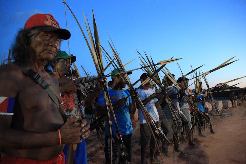 Onca Xikrin standing with Parakana warriors at the cofferdam. (Photo: Atossa Soltani)