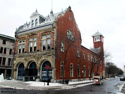 Centrul de istorie a Montrealului și o caleașcă
