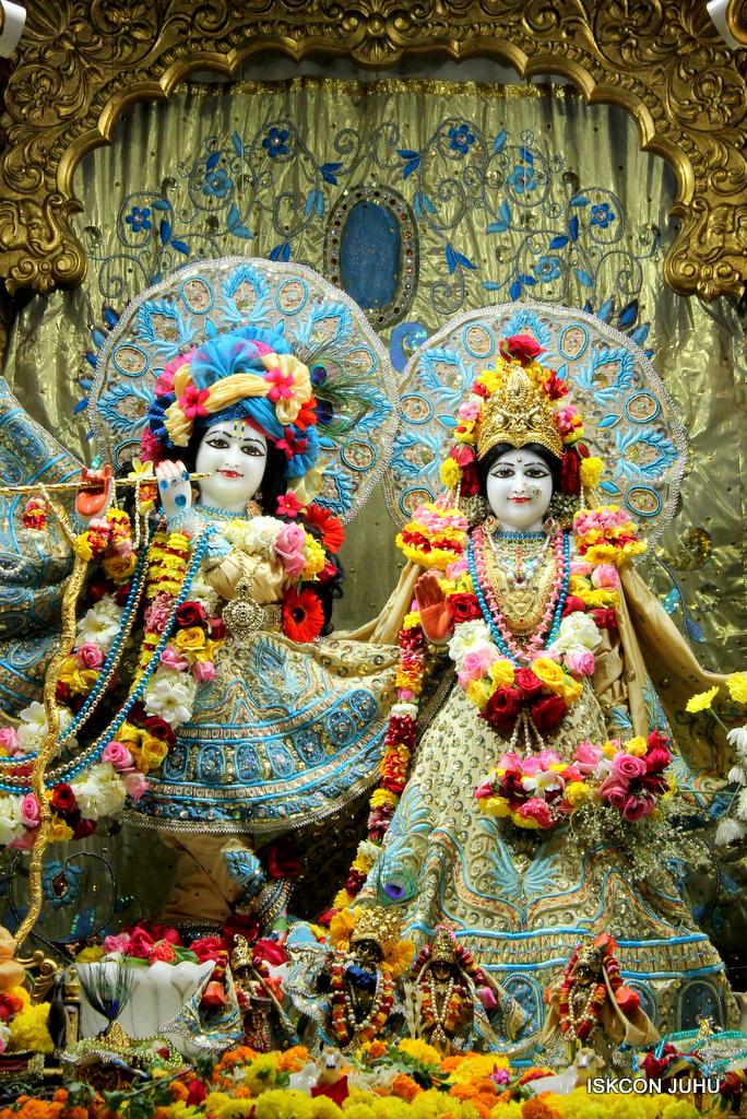 ISKCON Juhu Sringar Deity Darshan on 30th Dec 2016 (2)