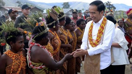 Agar KKB Musnah, Pengamat: Jokowi Sebaiknya Pindah Kantor ke Papua