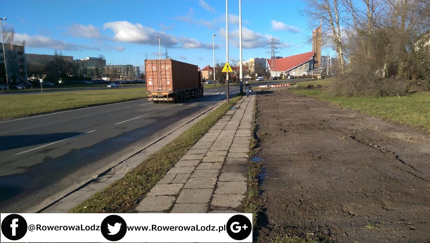 Zdarto trawnik przy skrzyżowaniu a al. Wyszyńskiego