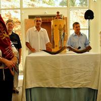 Relocating Torah Scrolls 2012  - DSC_1599.JPG