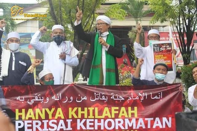 Ulama Ini Sebut Bukti Nyata Cinta Nabi dengan Menerapkan Syariah Islam dan Khilafah