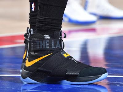 2016-17 LeBron Shoes Timeline  57365c189