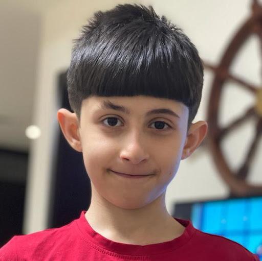 user yousif ahmed apkdeer profile image