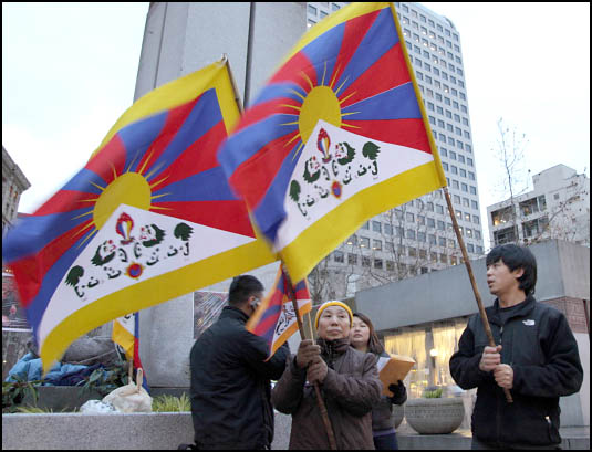 Self-Immolations in Tibet: Candle Vigil in Downtown Seattle - IMG_0024%2B1-28-12%2B72Cc%2BCandle%2BVigil.jpg